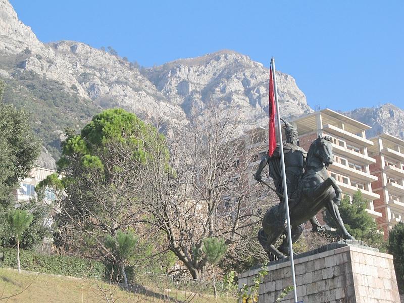 Круя: памятник Скандербегу