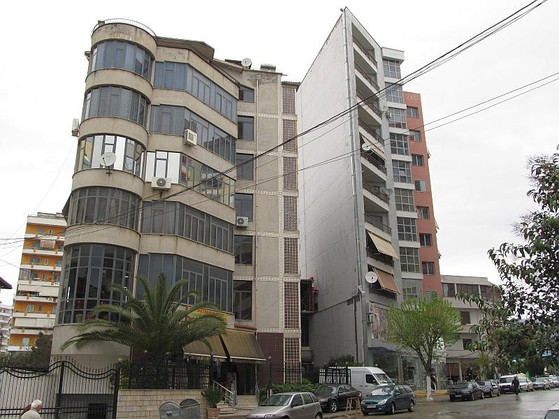 Эльбасан: жилые дома на ул. 25 Ноября