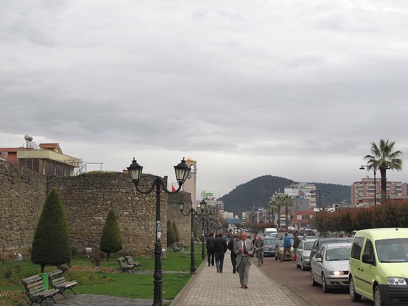 Эльбасан: бульвар Ачиф-паши (вид на восток)