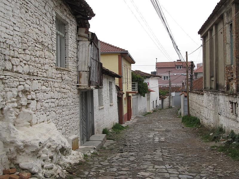 Эльбасан: улица старого города