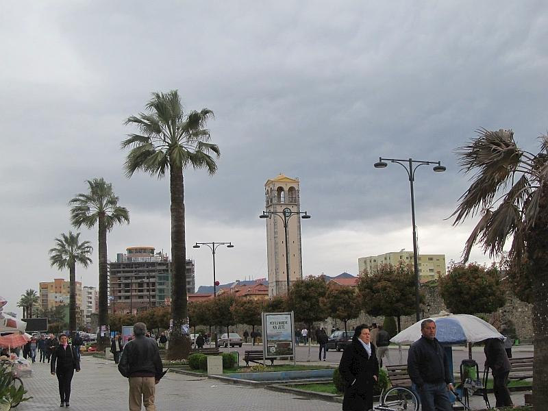 Эльбасан: бульвар Ачиф-паши (вид на запад)