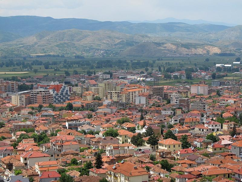 Корча: старый город и новостройки