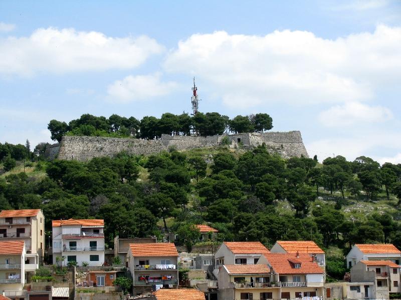 Шибеник: вид на крепость св.Иоанна