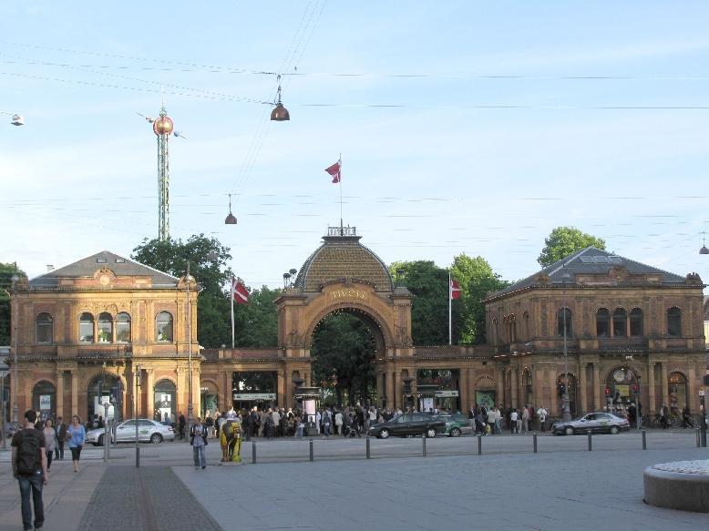 Копенгаген: вход в парк Тиволи