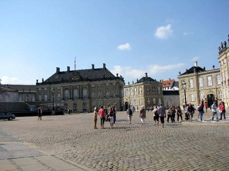 Копенгаген: площадь Амалиенборг