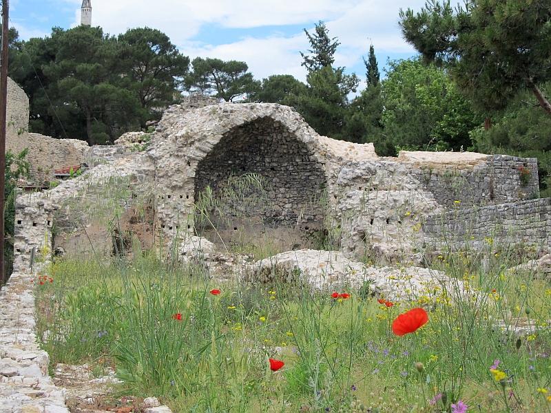 Янина: фрагмент восточной стены крепости