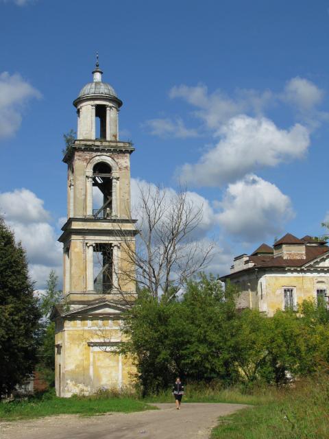 Старица: колокольня Никольской церкви