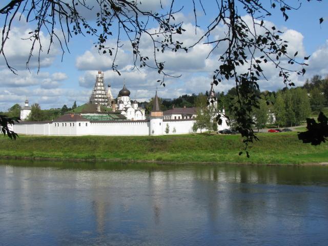 Старица: Свято-Успенский монастырь