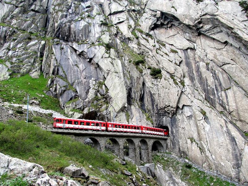 поезд на Сен-Готтард