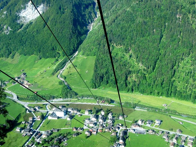 Гларус: долина Зернфа с высоты