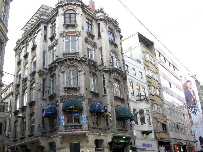 Стамбул: модерн на ул. Истикляль