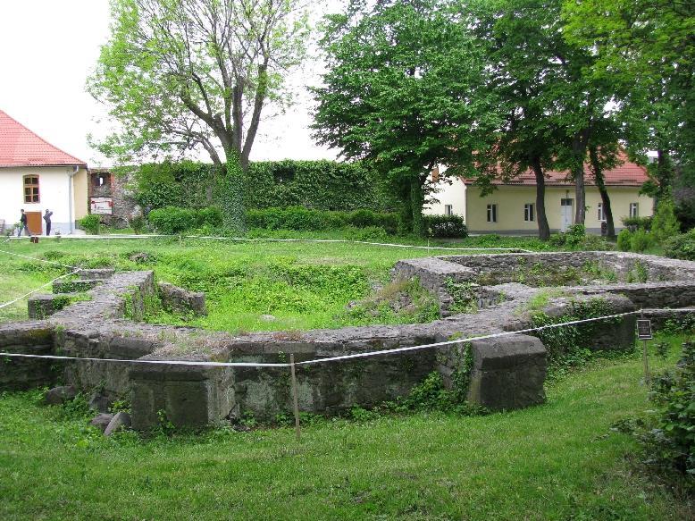 Ужгород: замок Другетов (руины церкви св.Юрия)