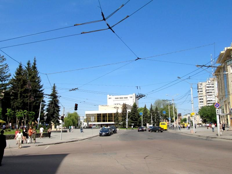 Луцк: Театральная площадь