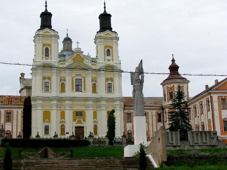 Кременец: монастырь иезуитов