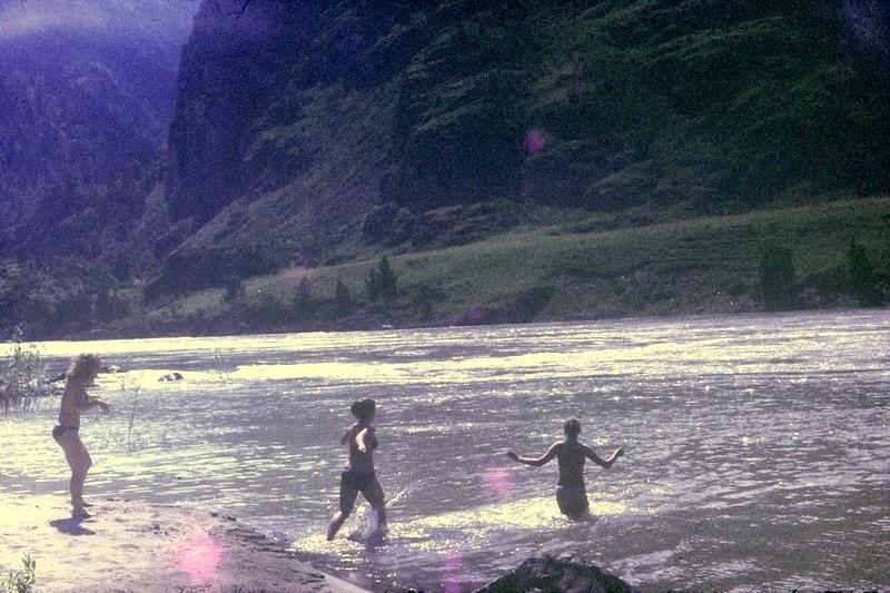 Алтай: купание в Катуни