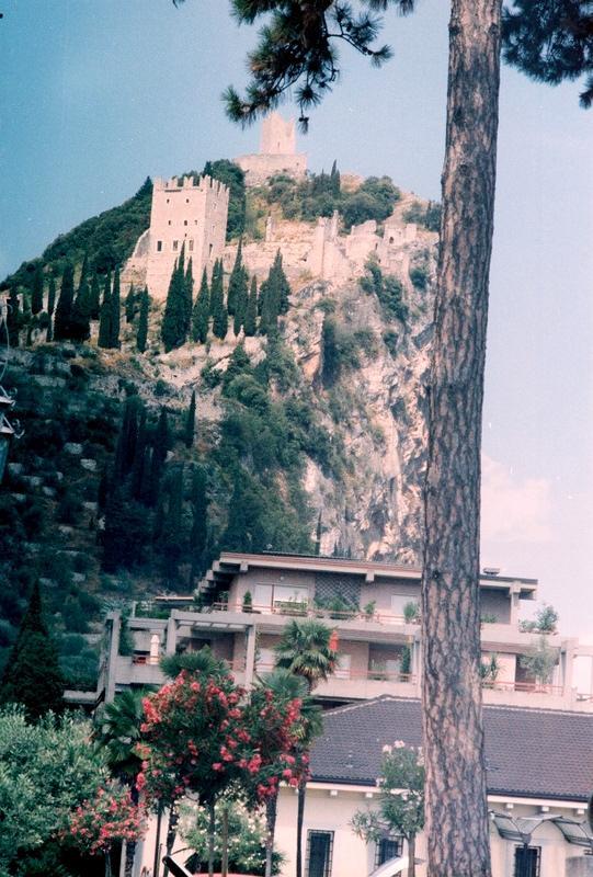 Италия: крепость Арко