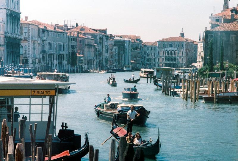 Венеция: вид с моста Риальто на Гранд-канал